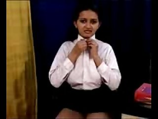 Sexy Indian Woman Loves To Play Naughty